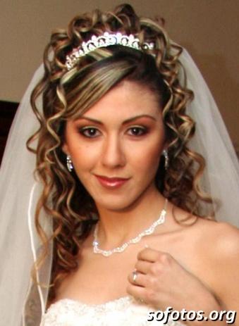 Penteados para noiva com tiara