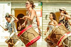 _MG_0021 (upslon) Tags: minasgerais sol brasil pessoas alegria belohorizonte festa banho maracatu confraternizao calor polcia ocupao praadaestao priadaestao tilele