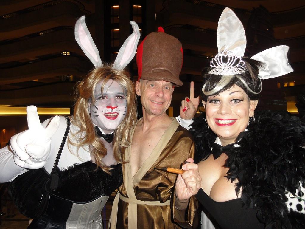 rgaines tags drag costume cosplay playboy dragoncon bunnyhutch elmerfudd bugsbunny