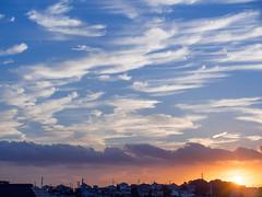 夏と秋との鬩ぎ合い [explored] (kasa51) Tags: autumn sunset summer sky cloud japan lumix dusk olympus panasonic yokohama 夏 秋 雲 空 f28 omd em5 35100mm fightagainstthesummerandautumn 季節の変わり目