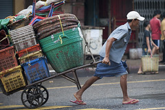 MM022 Porter - Yangon (VesperTokyo) Tags: street blue red man green basket yangon burma cap worker myanmar porter burmese sandal rangoon longyi nikond3 myanmarese