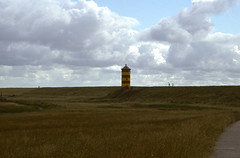 240_14_Norden-Leuchtturm-Pilsum_22_07_2000_ice (bromand) Tags: germany deutschland nikon leer norden slide scan northsea otto nordsee coolscan leuchtturm ved f301 ottowalkes nikonf301 pilsum nikoncoolscanved coolscanved walkes
