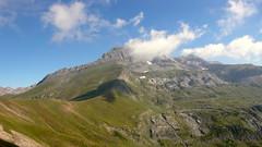 Bisaurin nuboso (slbretos) Tags: mountains huesca pyrenees montaas pirineos montes aragn jasa summits cimas sommets bisaurin lizara