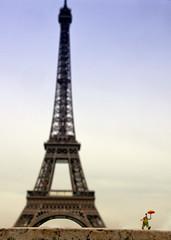 Paris in the rain (Blandfordeye1) Tags: paris clown eiffeltower tiny