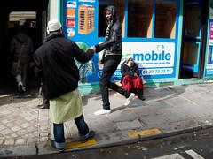 Xme-1 (Paolo Pizzimenti) Tags: paris film paolo couleurs olympus f18 rue arrondissement zuiko gens omd urbaine em1 pellicule 17mm inconnu m43 hymne xme faubourgstdenis mirrorless