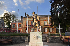 Thomas Paine (Tony Shertila) Tags: england sky horse weather europe day britain norfolk clear american revolution americanrevolution independance sculptures thetford thomaspaine revolutionist mygearandme