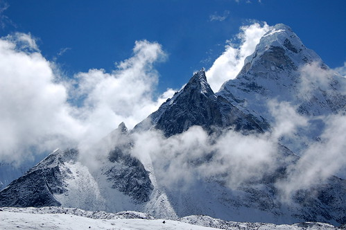 "Everest Base Camp - Ama Dablam widok z drogi do Chhukhung <a style=""margin-left:10px; font-size:0.8em;"" href=""http://www.flickr.com/photos/125852101@N02/15919321524/"" target=""_blank"">@flickr</a>"