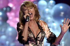 Grammys 2015 Taylor Swift (tapeper) Tags: taylor swift grammy 2015 cleberity