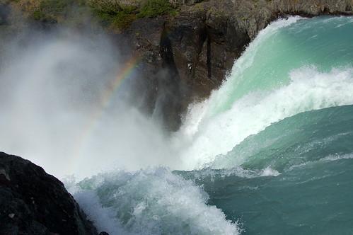 """Torres del Paine - Salto Grande - można podejść na prawdę blisko <a style=""""margin-left:10px; font-size:0.8em;"""" href=""""http://www.flickr.com/photos/125852101@N02/16540934295/"""" target=""""_blank"""">@flickr</a>"""