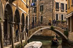 venezia 160403_100 (gmcvrphoto) Tags: barca ponte acqua venezia riflessi canale portico colonne palazzi allaperto