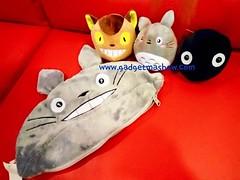 ตุ๊กตาถั่ว Totoro ✅ เหมาะสำหรับเก็บสะสม ตกแต่งห้องนอน ห้องนั่งเล่น รถยนต์ ให้เป็นของขวัญ ของขวัญวันเกิด  ความยาว 32 cm สูง(ไม่รวมหู) 13 cm ตุ๊กตาด้านใน กว้าง 11 cm  ราคา 590 ems 70 บาท รวม 660.-  หาซื้อได้ที่ Website >> http://www.gadgetm
