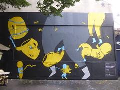 Astro Naut au M.U.R. XI (Archi & Philou) Tags: streetart astronaut paintedwall murpeint paris11 murxi