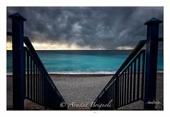 L'escalier (armandbrignoli) Tags: escalier nice ville orage plage galet bleu mer nuage gris sea city cloud canon 5d2