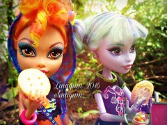 (Linayum) Tags: monster toys doll dolls mh mattel bestfriends bff muecas twyla mueca howleen linayum monsterhigh howleenwolf