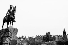 Guard duty...... (Sue_Shaw) Tags: blackandwhite bw horse monument monochrome statue canon landscape uniform edinburgh cityscape military negativespace figure tradition canoneos equestrian canon60d