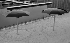 black beach (Furcletta) Tags: urban canada water pier blackwhite sand harbour montreal can sunshade 50mm18g