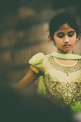 Girl in Green (Rajeev Bhat) Tags: india green girl canon karnataka mysore chamundihill canon70200 canon550d