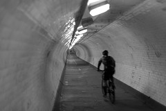 DSC_6343 (@Dave) Tags: city uk london bike thames river nikon cyclist capital under tunnel running run walker cycle nikkor dslr d600