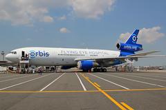 N330AU | McDonnell Douglas MD-10-30F | Project Orbis - Flying Eye Hospital (cv880m) Tags: newark ewr kewr newarkliberty liberty n330au mcdonnell douglas boeing dc10 md10 md1030 m10 d10 orbis projectorbis fedex flyingeyehospital orbisorg trijet