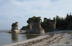 monolithic shore (Ultrachool) Tags: stone quebec monoliths minganie unlimitedphotos minganarchipelago