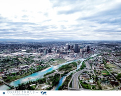 Aerial view on the city of Calgary and the Bow River in Alberta, Canada. (Vincent Demers - vincentphoto.com) Tags: aerialview alberta amriquedunord bowriver calgary canada centreville centrevilledecalgary city cityscape downtown downtowncalgary northamerica photodevoyage photographiedevoyage river rivire rivirebow skyline travel traveldestination travellocation travelphoto travelphotography trip ville voyage vuearienne vuesurlaville ca