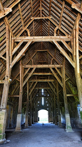 Great Coxwell Barn - Interior