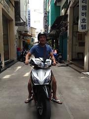 Motorbike (Ryo.T) Tags: vietnam saigon hochiminhcity hcmc hochiminh