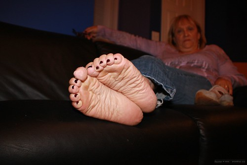Mature Feet Pics 60