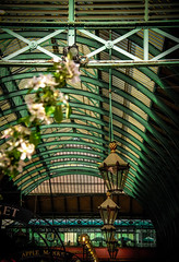 Longing for a different time (Lise Ulrich Photography) Tags: city flowers summer england green london architecture canon market streetlamp nostalgia coventgarden lamps springtime eos500d