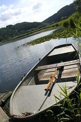 Waiting for fishermen.. (Leoniedas) Tags: lake germany deutschland boot boat fishing europe eifel crater maar rheinlandpfalz angeln vulcanic vulkaneifel kratersee meerfeld