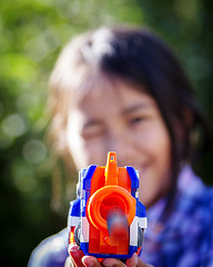 541_5719_18-08-13 (homewurks) Tags: color colour girl female john garden fire photography colorful shoot child bokeh rifle young plastic colored guns shooting bullet aim colourful coloured hopkins firing aiming flickrstruereflection1 homewurks