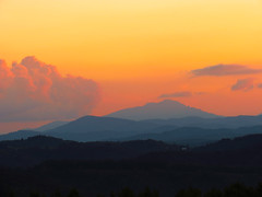 Grandfather Mountain Sunset (BlueRidgeKitties) Tags: sunset landscape northcarolina blueridgeparkway grandfathermountain westernnorthcarolina southernappalachians mountjeffersonoverlook canonpowershotsx40hs