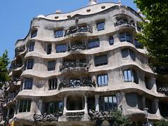 P1040970 (zest for life) Tags: barcelona madrid architecture spain bilbao gaudi guggenheim lasagradafamilia casabatllo parkguell casamila
