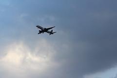 Gua de Luz (Jos Ramn de Lothlrien) Tags: sky cloud mxico clouds plane fly airport jr cielo nubes planes airbus boing aeropuerto nube avion aviones vuelo 727 turbina aterrizaje aeronautica producciones aeromxico egine md88dc10