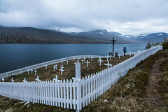 Cemetery of the French fishermen at Fskrsfjrur, Iceland (Christian Wilt) Tags: cemetery is iceland brittany fishermen north bretagne arctic fjord cod cimetire marins pcheurs paimpol morue fskrsfjrur pcheursdislande vision:mountain=0872 vision:outdoor=099 vision:sky=0842 vision:clouds=0627