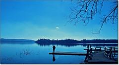 Mi manchi. (rogilde - roberto la forgia) Tags: italy lake anime canon lago hp paradise italia blu dream cover cielo luci azzurro colori luce paradiso italians celeste sogno perse gavirate serenit sospesi lagodivarese rogilde celestiale mygearandme robertolaforgia