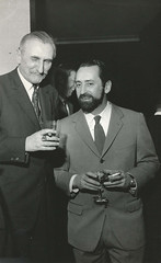 "<br /><span style=""font-size:0.8em;"">LEOPOLDO NOVOA CON MICHEL TAPIE PARIS 1968</span> • <a style=""font-size:0.8em;"" href=""http://www.flickr.com/photos/114402629@N08/13384294583/"" target=""_blank"">View on Flickr</a>"
