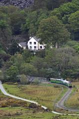 Hunslet loco Dolbadarn on way to Llanberis. (ohefin) Tags: old house lake beautiful view y country loco owen llanberis quarry bala parl managers dinorwic glan padarn dolbadarn hunslet maenllwyd railwy hefin nikond5000