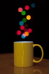 Una tacita de bokeh (javipaper) Tags: colors luces bokeh colores taza