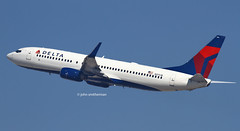 N3751B DELTA AIRLINES 737 (john smitherman-http://canaviaaviationphotography.) Tags: usa plane canon airplane fly unitedstates aircraft aviation flight delta aeroplane boeing lax flughafen takeoff airliner 737 losangelas planespotting flug deltaairlines klax imperialhill n3751b