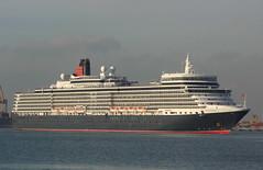 """""""Queen Elizabeth"""" entrando en Valencia (mabra68) Tags: valencia cunard queenelizabeth buque crucero"""