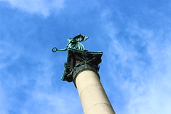 Felice di stare lass (Nathalie_Dsire) Tags: blue summer clouds spring stuttgart goddess bluesky concordia column schlossplatz schlossgarten laurelwreath jubilumssule jubilaeumssaeule