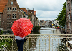 Promenade à Gand... (Mélanie Du) Tags: world street new travel red water river photography photo reflex amazing nice nikon europe photographie belgium belgique outdoor picture pic visit passion gent ville gand watcher d5200 nikond5200