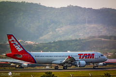 PR-MYH TAM Airbus A320-214 (Marciobien) Tags: airplane fuji sopaulo sp airbus fujifilm aviao aviao guarulhos gru spotter avioes aeronave hs10 spoter airbusa320214 marciobianchi marciobien