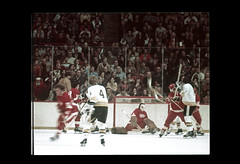 ss28-35 (ndpa / s. lundeen, archivist) Tags: color film hockey boston 1974 december massachusetts nick slide slideshow 1970s bostonbruins bostongarden hockeygame hockeyplayer december22 dewolf detroitredwings homegame early1970s nickdewolf photographbynickdewolf 122274 slideshow28