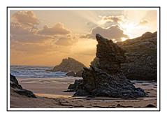 Belle le (Morshu69) Tags: flowers sky cloud sun nature sunrise canon soleil surf sable wave bretagne ciel vague plage morbihan phare hdr rocher 56 belleileenmer
