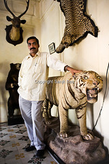 sdas20090407-howimpisup-elections0096 (vijay bahadur sen) Tags: old portrait india vertical asia all fort memories best age oldphoto royalty leopardskin uttarpradesh tigerskin bundelkhand dacoits