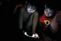 Smartphone - 13 (-clicking-) Tags: life childhood night children nightshot streetphotography streetportrait streetlife vietnam smartphone nightlight dailylife childish childlike vietnamesechildren