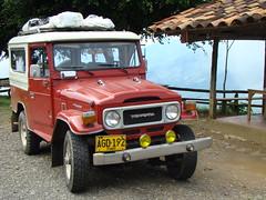 Toyota rumbo a jerico Antioquia (monicar196504) Tags: toyota jerico campero chivero