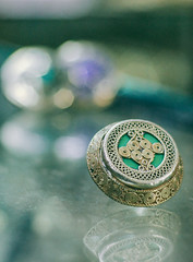 Emerald oriental ring (fjmian) Tags: oriental jewelry jayqueexpressions productphotography peshawar pakistan